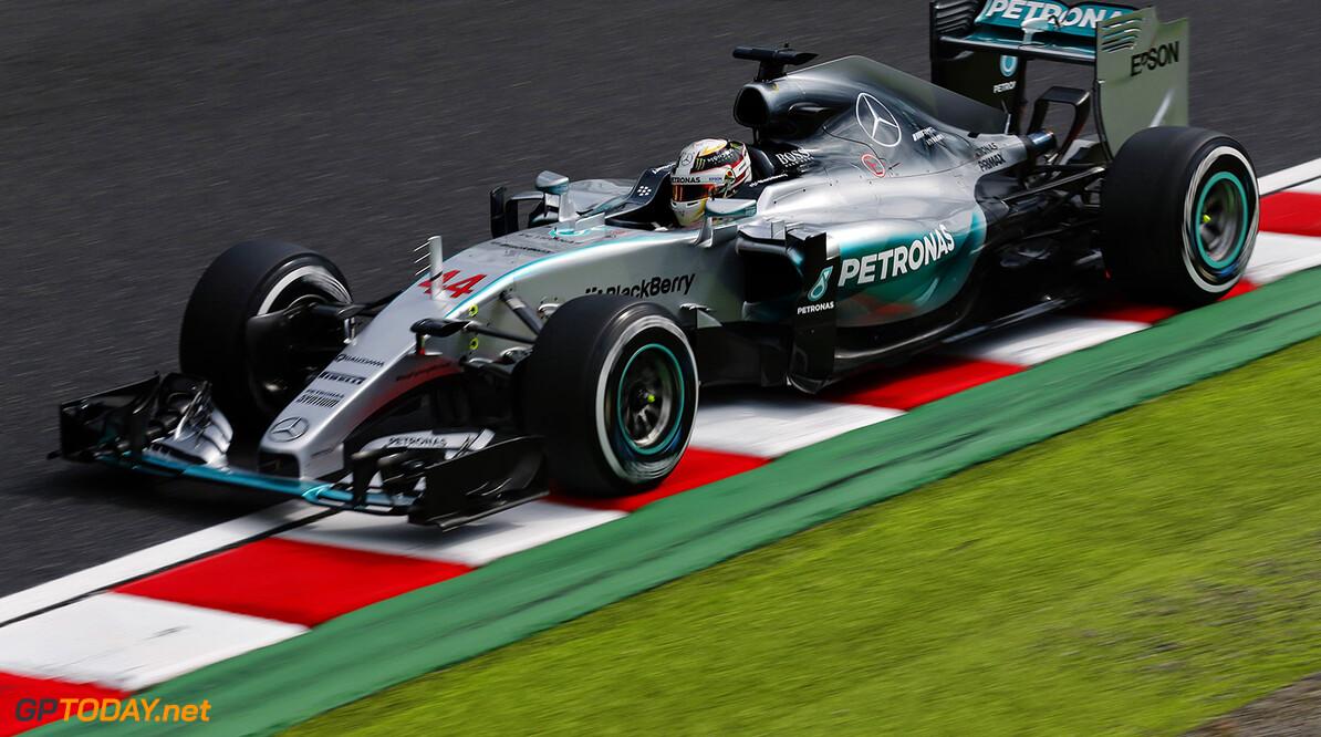 Hamilton wint in Rusland, dramatische slotfase om podium