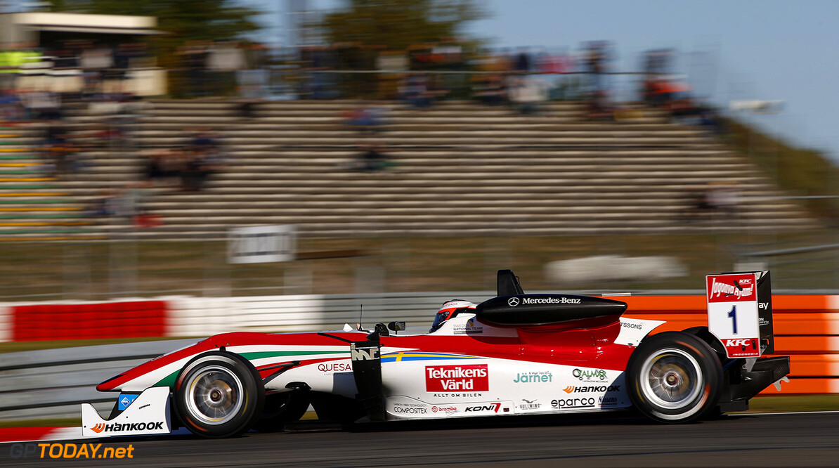 FIA Formula 3 European Championship, round 10, race 3, Nurburgr 1 Felix Rosenqvist (SWE, Prema Powerteam, Dallara F312 - Mercedes-Benz), FIA Formula 3 European Championship, round 10, race 3, Nurburgring (GER) - 25. - 27. September 2015 FIA Formula 3 European Championship, round 10, race 3, Nurburgring (GER) Thomas Suer Nurburgring Germany