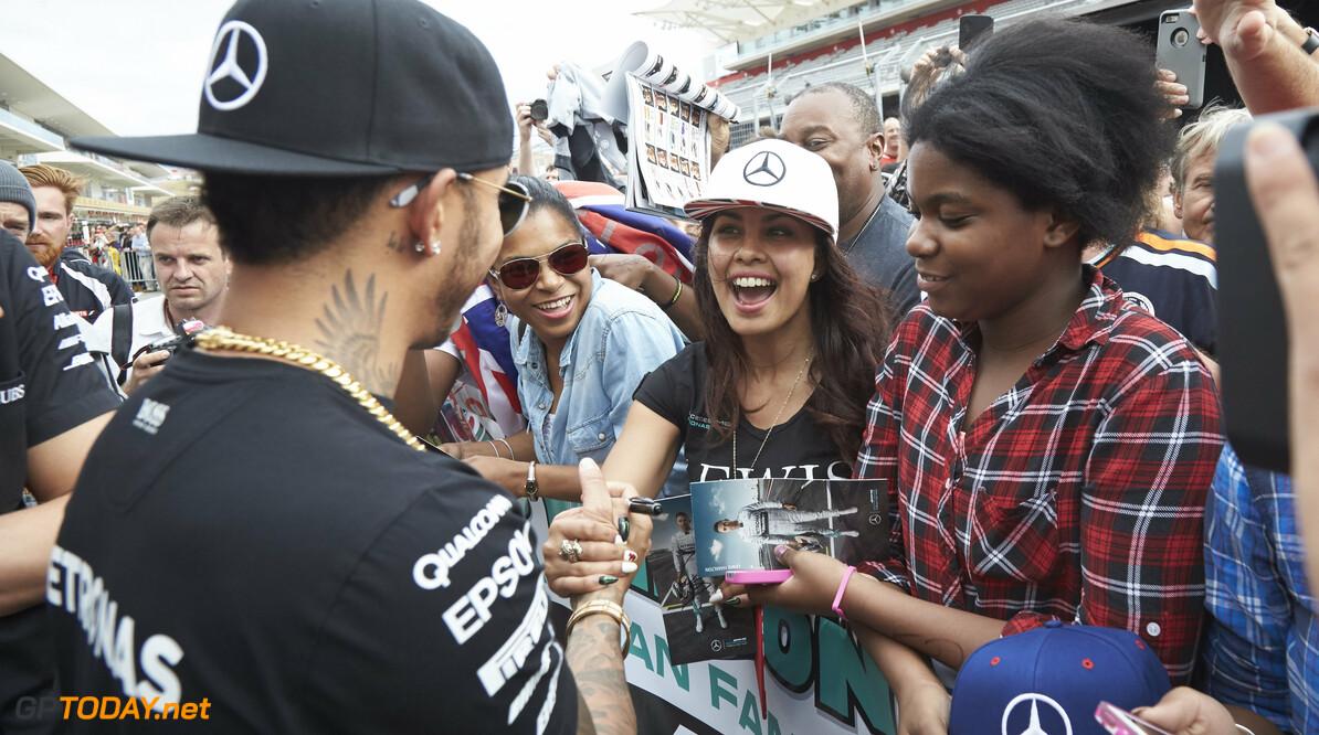 Schumacher-fanclub slikt uitleg van Hamilton niet