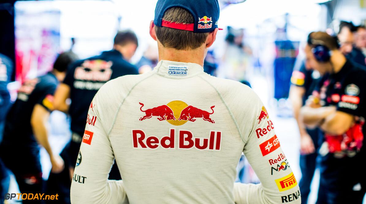 VT3: Rosberg ook snelste in derde training, Verstappen elfde
