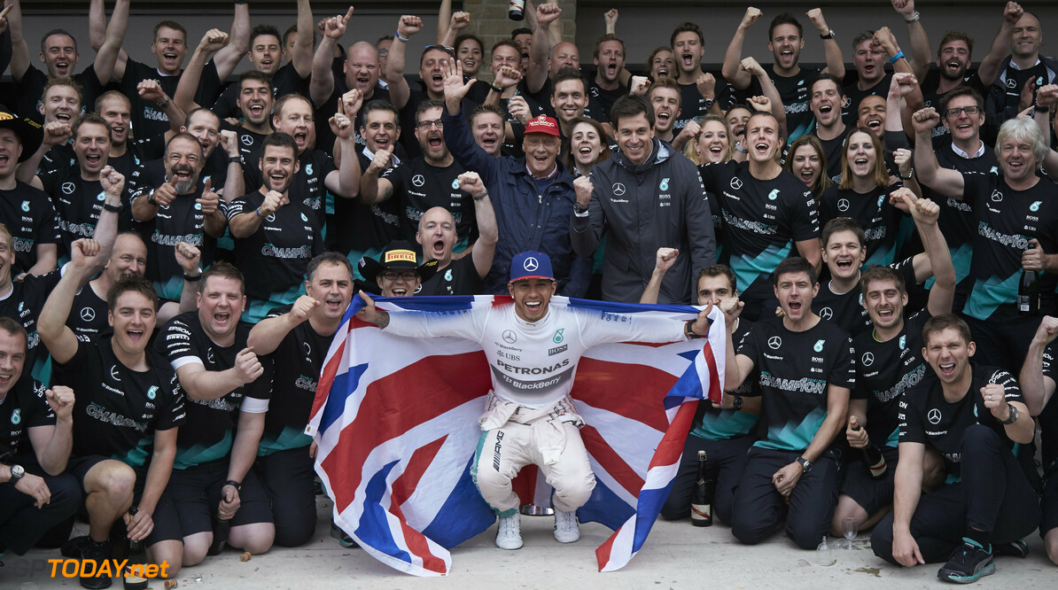 Mercedes to celebrate champions with Stars & Cars