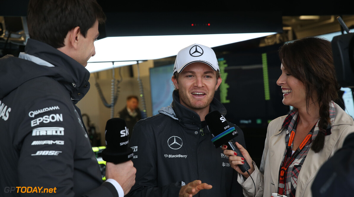 Nico Rosberg donates EUR 100,000 to charity