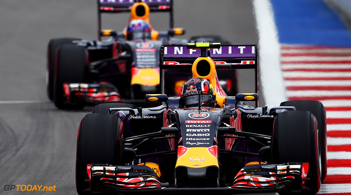SOCHI, RUSSIA - OCTOBER 11:  Daniil Kvyat of Russia and Infiniti Red Bull Racing drives ahead of Daniel Ricciardo of Australia and Infiniti Red Bull Racing during the Formula One Grand Prix of Russia at Sochi Autodrom on October 11, 2015 in Sochi, Russia.  (Photo by Lars Baron/Getty Images) // Getty Images/Red Bull Content Pool // P-20151011-00228 // Usage for editorial use only // Please go to www.redbullcontentpool.com for further information. //  F1 Grand Prix of Russia Lars Baron Sochi Russian Federation  P-20151011-00228