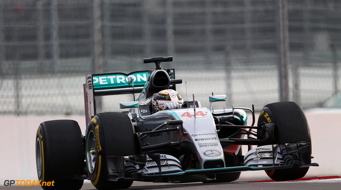 """Hamilton: """"Nico is dit weekend ontzettend snel"""""""