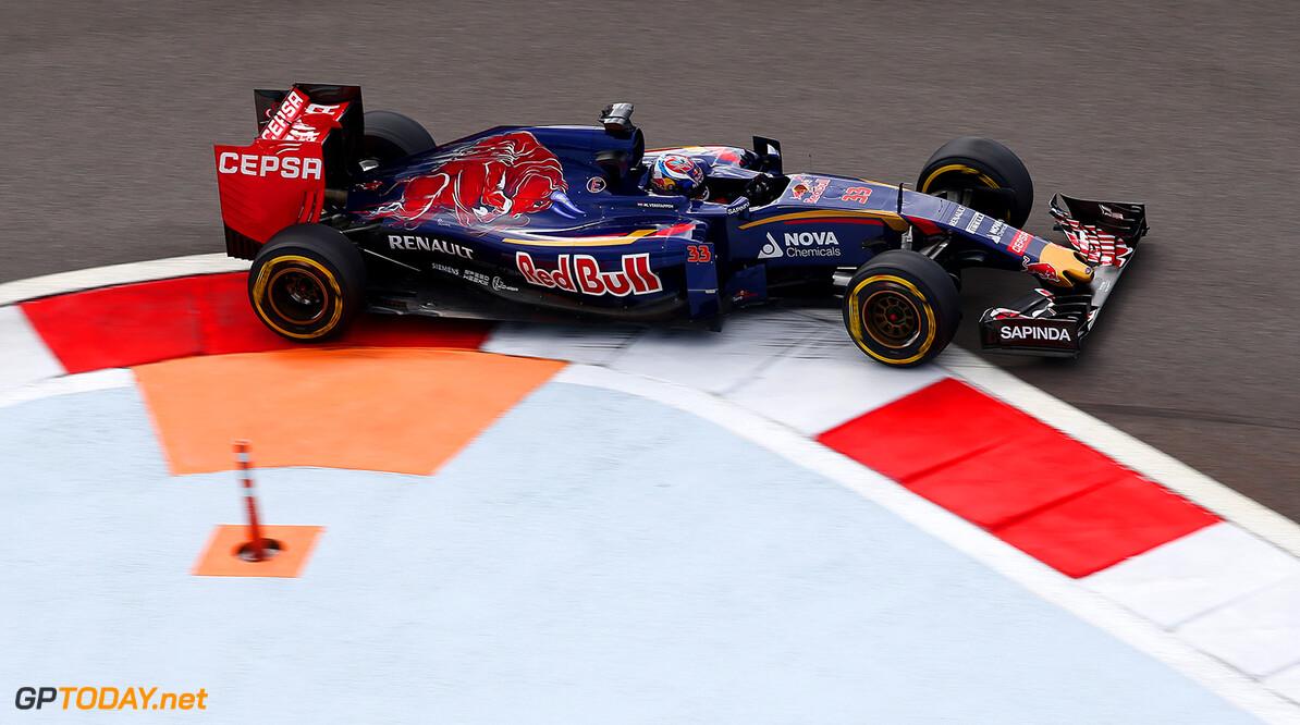 Toro Rosso sluipt richting zesde plaats van Lotus