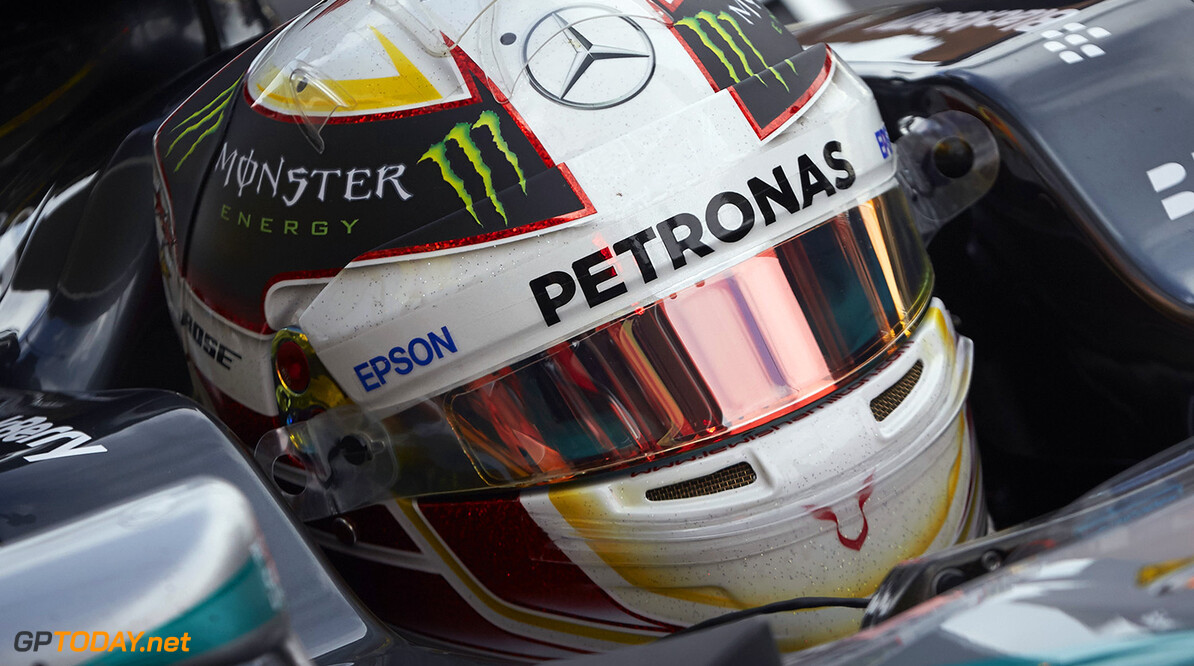 FP1: Hamilton a half second faster than Rosberg
