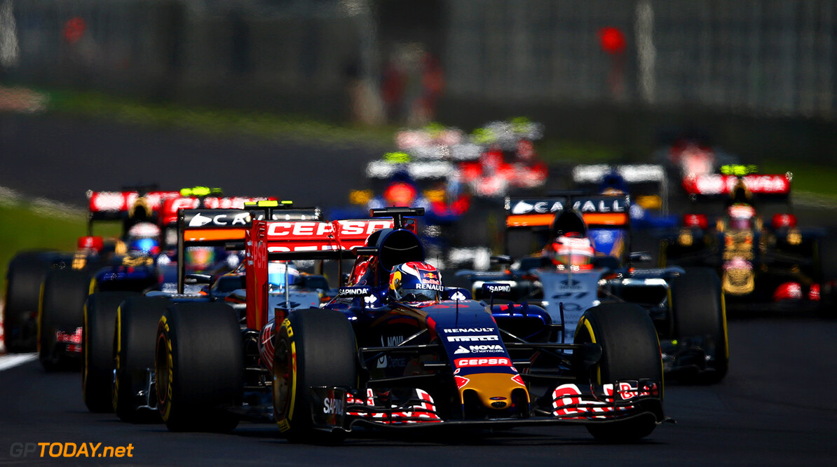 MEXICO CITY, MEXICO - NOVEMBER 01:  Max Verstappen of Netherlands and Scuderia Toro Rosso drives during the Formula One Grand Prix of Mexico at Autodromo Hermanos Rodriguez  on November 1, 2015 in Mexico City, Mexico.  (Photo by Clive Mason/Getty Images) // Getty Images/Red Bull Content Pool // P-20151101-00687 // Usage for editorial use only // Please go to www.redbullcontentpool.com for further information. //  F1 Grand Prix of Mexico Clive Mason Mexico City Mexico  P-20151101-00687