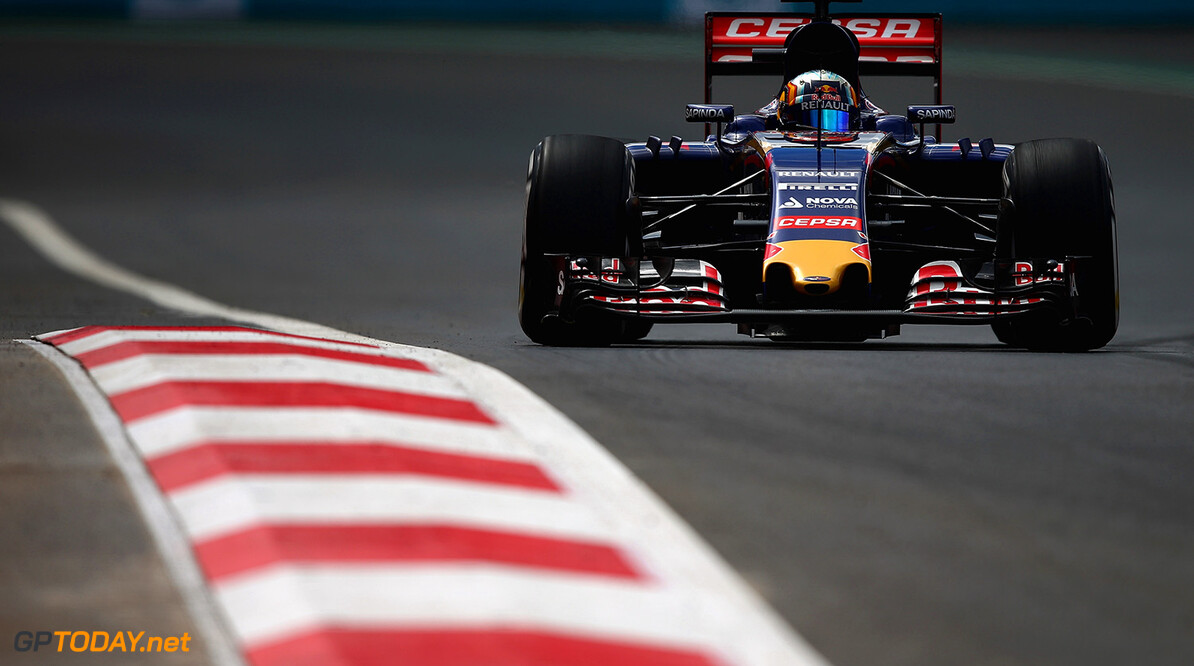 MEXICO CITY, MEXICO - OCTOBER 30:  Carlos Sainz of Spain and Scuderia Toro Rosso drives during practice for the Formula One Grand Prix of Mexico at Autodromo Hermanos Rodriguez on October 30, 2015 in Mexico City, Mexico.  (Photo by Clive Mason/Getty Images) // Getty Images/Red Bull Content Pool // P-20151030-00842 // Usage for editorial use only // Please go to www.redbullcontentpool.com for further information. //  F1 Grand Prix of Mexico - Practice Clive Mason Mexico City Mexico  P-20151030-00842