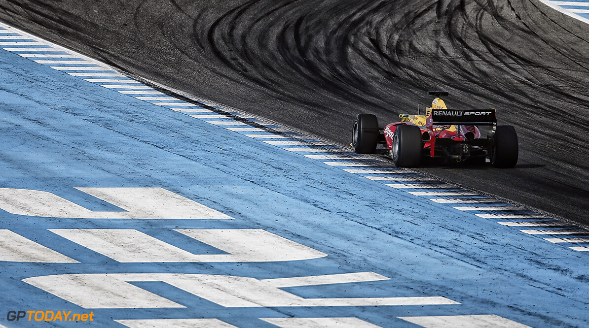 26 DILLMANN Tom (FRA) Jagonya Ayam with Carlin (GBR) action during the 2015 World Series by Renault from October 16 to 18th  2015, at Jerez, Spain. Photo Jean-Michel Le Meur / DPPI. AUTO - WSR JEREZ 2015 Jean-Michel Le Meur Jerez Espagne  2.0 2015 Auto Car Championnat Europe Formula Renault Formules Fr Fr 3.5 Monoplace Motorsport Race Renault Sport Series Sport Uniplace Voitures World World Series By Renault Wsr Espagne