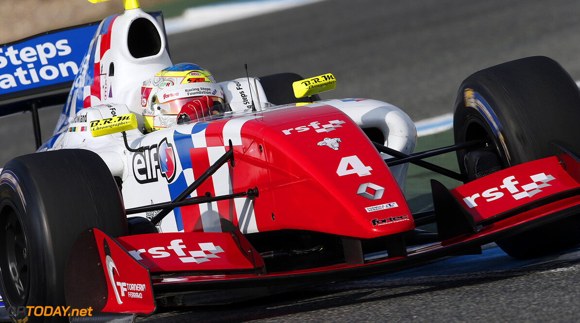 04 ROWLAND Oliver (GBR) Fortec Motorsports (GBR) action during the 2015 World Series by Renault from October 16 to 18th  2015, at Jerez, Spain. Photo Jean-Michel Le Meur / DPPI. AUTO - WSR JEREZ 2015 Jean-Michel Le Meur Jerez Espagne  2.0 2015 Auto Car Championnat Europe Formula Renault Formules Fr Fr 3.5 Monoplace Motorsport Race Renault Sport Series Sport Uniplace Voitures World World Series By Renault Wsr Espagne