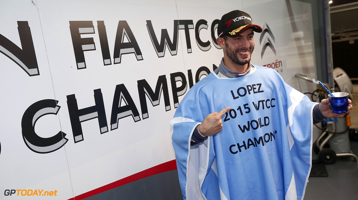 LOPEZ Jose Maria (arg) Citroen C Elysee team Citroen racing portrait ambiance 2015 WTCC WORLD CHAMPION podium during the 2015 FIA WTCC World Touring Car Championship race at Buriram from October  31h to November 1st  2015, Thailand. Photo Jean Michel Le Meur / DPPI AUTO - WTCC BURIRAM 2015 Jean Michel Le Meur    Auto Championnat Du Monde Chang Chang International Circuit Circuit Course Fia Motorsport November Novembre October Octobre Thailand Thailande Tourisme Wtcc