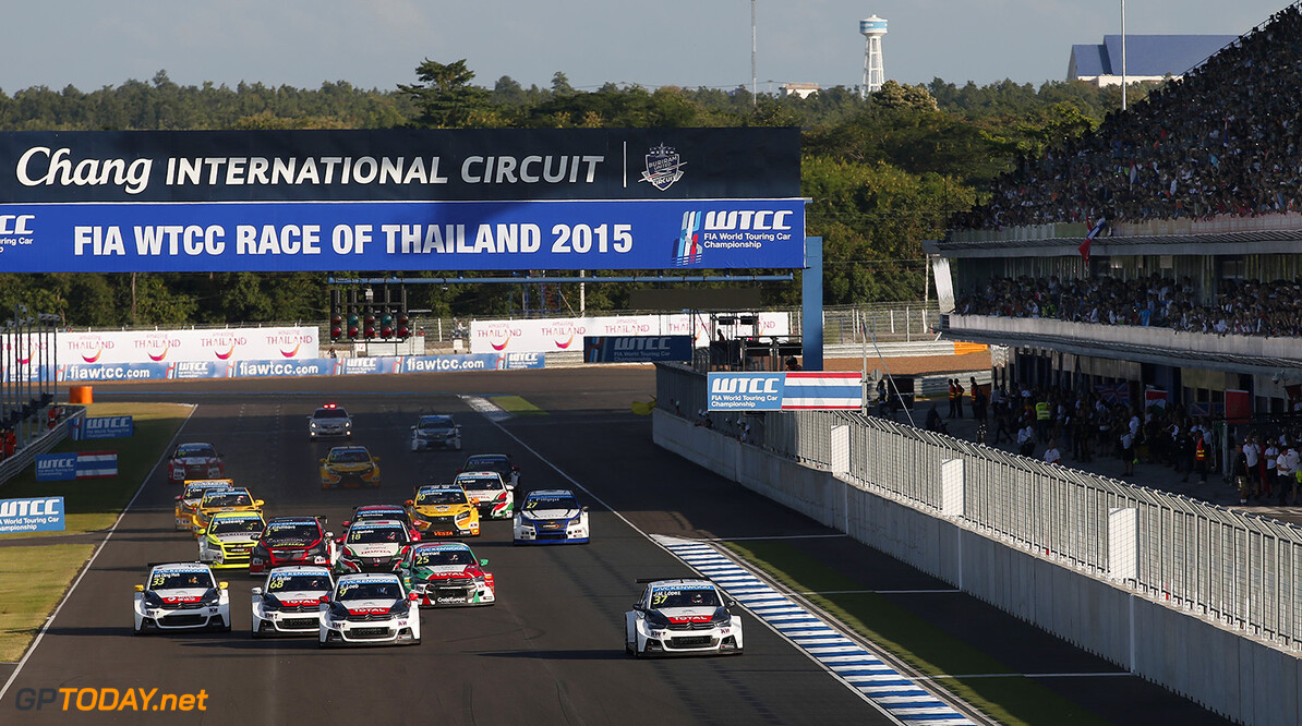 START 1 37 LOPEZ Jose Maria (arg) Citroen C Elysee  team Citroen racing action during the 2015 FIA WTCC World Touring Car Championship race at Buriram from October  31h to November 1st  2015, Thailand. Photo Jean Michel Le Meur / DPPI AUTO - WTCC BURIRAM 2015 Jean Michel Le Meur    Auto Championnat Du Monde Chang Chang International Circuit Circuit Course Fia Motorsport November Novembre October Octobre Thailand Thailande Tourisme Wtcc