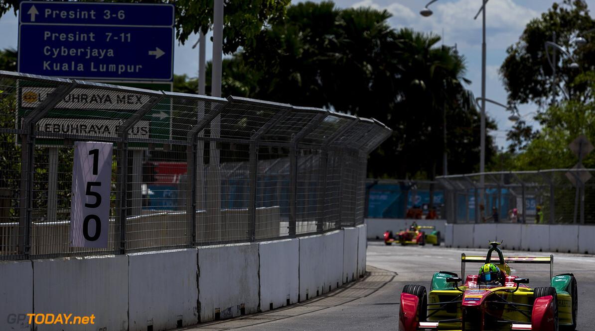 2015/2016 FIA Formula E Championship. Putrajaya ePrix, Putrajaya, Malaysia. Saturday 7 November 2015. Lucas Di Grassi (BRA), ABT Audi Sport FE01. Photo: Zak Mauger/LAT/Formula E ref: Digital Image _L0U2295  Zak Mauger    fe formula e action