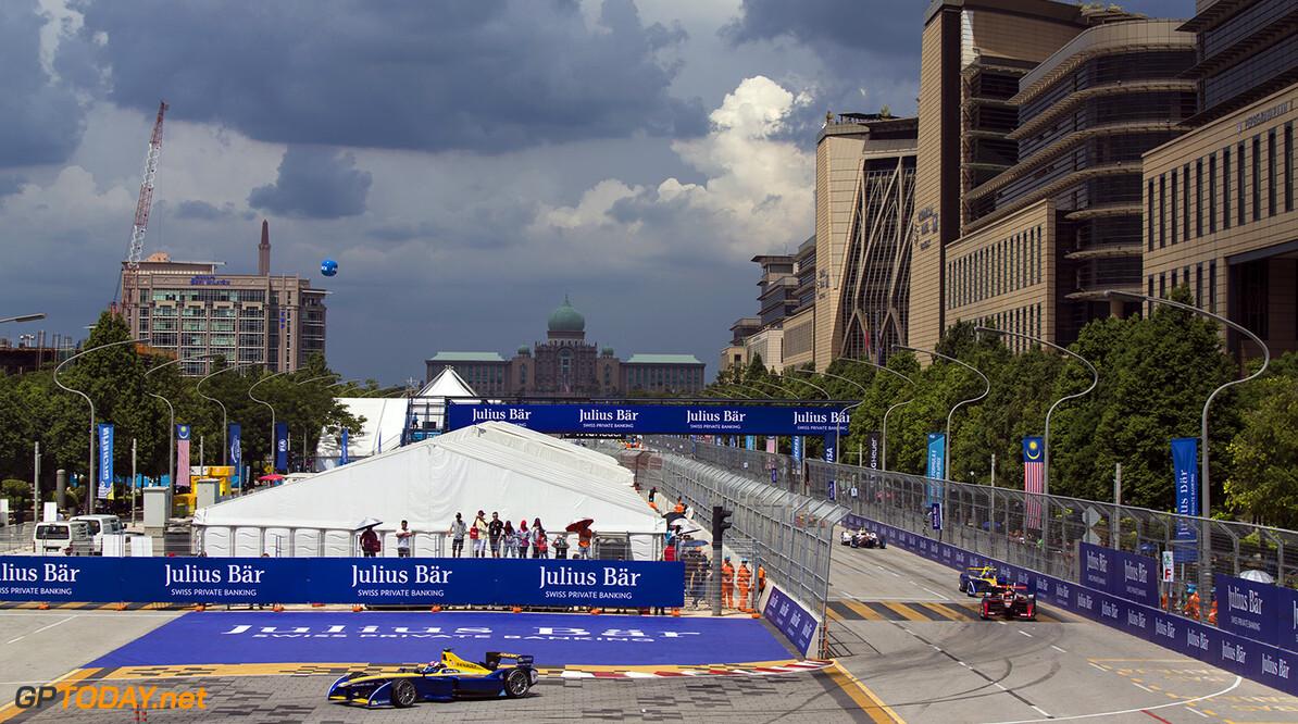 2015/2016 FIA Formula E Championship. Putrajaya ePrix, Putrajaya, Malaysia. Saturday 7 November 2015. Race Sebastien Buemi (SUI), Renault e.Dams Z.E.15  Photo: Sam Bloxham/FIA Formula E/LAT ref: Digital Image _SBL1070  Sam Bloxham    Action