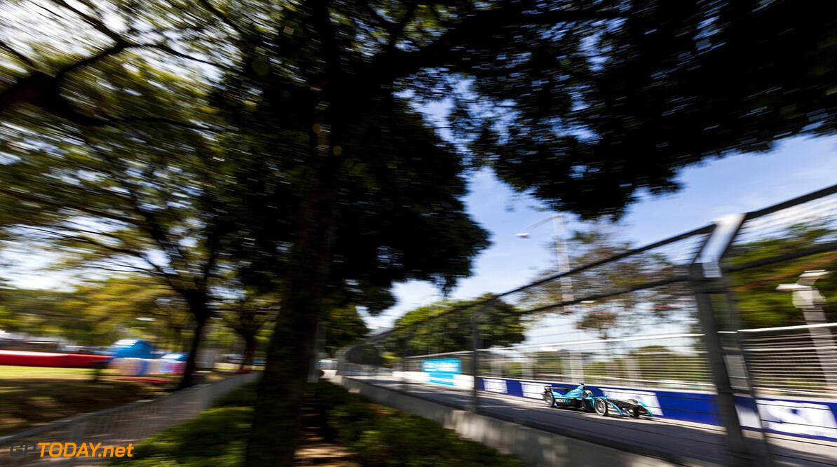 2015/2016 FIA Formula E Championship. Putrajaya ePrix, Putrajaya, Malaysia. Saturday 7 November 2015. Oliver Turvey (GBR) NEXTEV TCR FormulaE 001. Photo: Zak Mauger/LAT/Formula E ref: Digital Image _MG_3995  Zak Mauger    fe formula e action