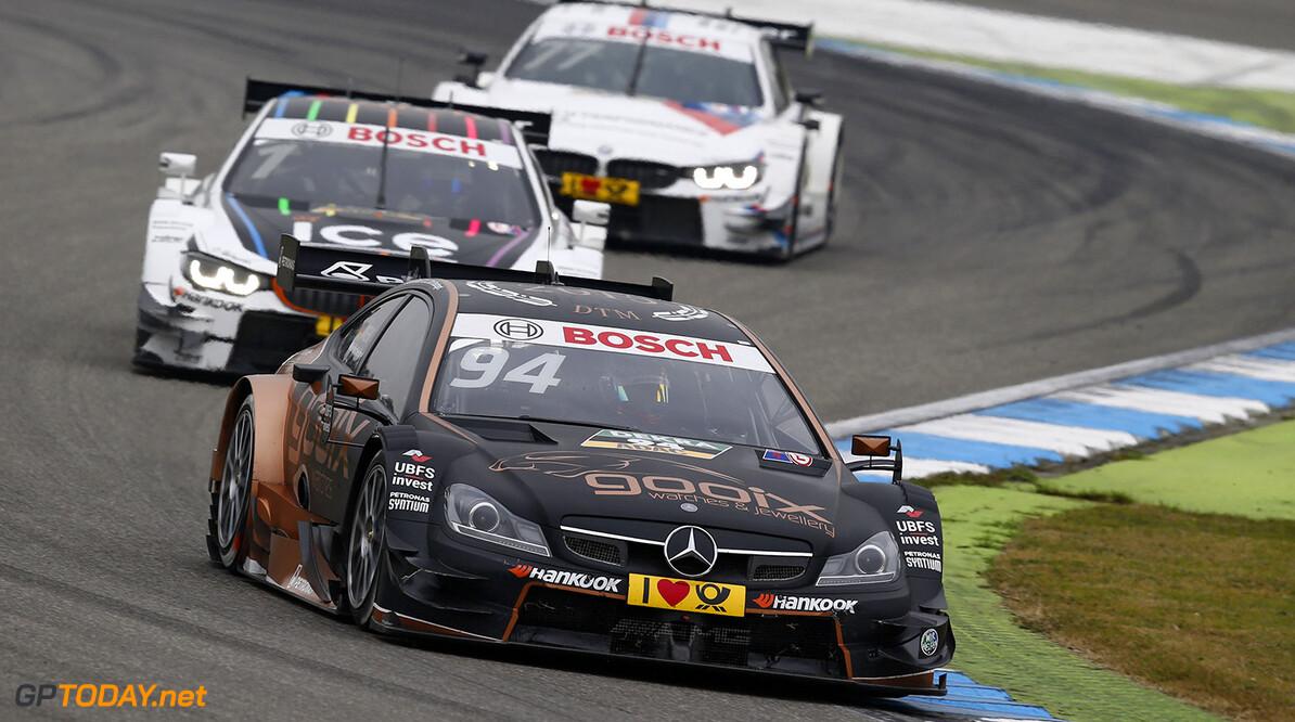#94 Pascal Wehrlein, Mercedes-AMG C 63 DTM, #1 Marco Wittmann, BMW M4 DTM