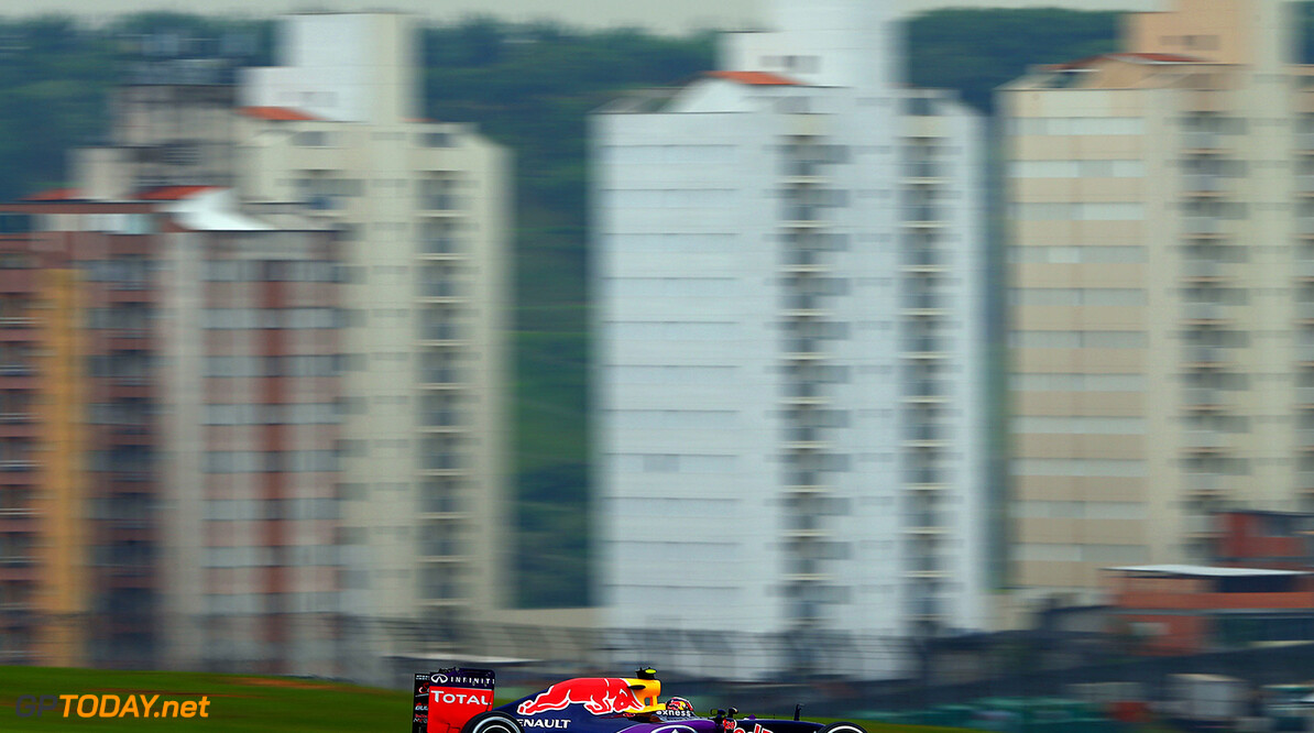 SAO PAULO, BRAZIL - NOVEMBER 13:  Daniil Kvyat of Russia and Infiniti Red Bull Racing drives during practice for the Formula One Grand Prix of Brazil at Autodromo Jose Carlos Pace on November 13, 2015 in Sao Paulo, Brazil.  (Photo by Clive Mason/Getty Images) // Getty Images/Red Bull Content Pool // P-20151113-00491 // Usage for editorial use only // Please go to www.redbullcontentpool.com for further information. //  F1 Grand Prix of Brazil - Practice Clive Mason Sao Paulo Brazil  P-20151113-00491