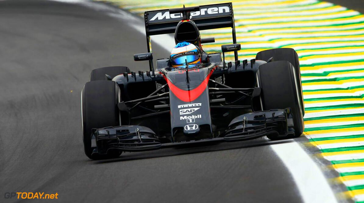 Nieuwe motor voor Alonso na problemen kwalificatie