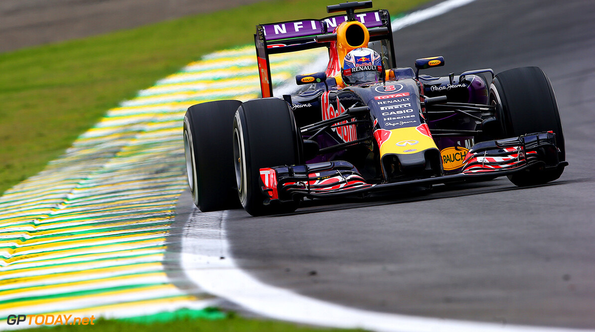 SAO PAULO, BRAZIL - NOVEMBER 13:  Daniel Ricciardo of Australia and Infiniti Red Bull Racing drives during practice for the Formula One Grand Prix of Brazil at Autodromo Jose Carlos Pace on November 13, 2015 in Sao Paulo, Brazil.  (Photo by Mark Thompson/Getty Images) // Getty Images/Red Bull Content Pool // P-20151113-00395 // Usage for editorial use only // Please go to www.redbullcontentpool.com for further information. //  F1 Grand Prix of Brazil - Practice Mark Thompson Sao Paulo Brazil  P-20151113-00395