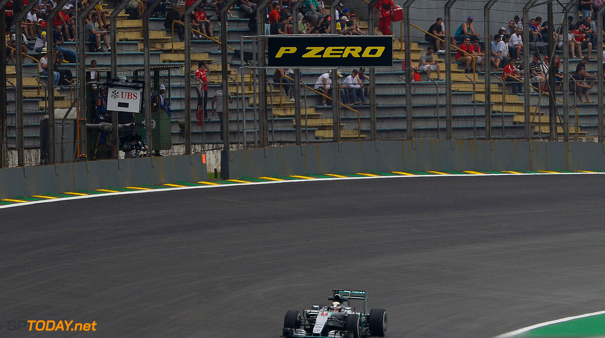 <strong>FP3 report: </strong> Hamilton fastest despite glitching gearbox
