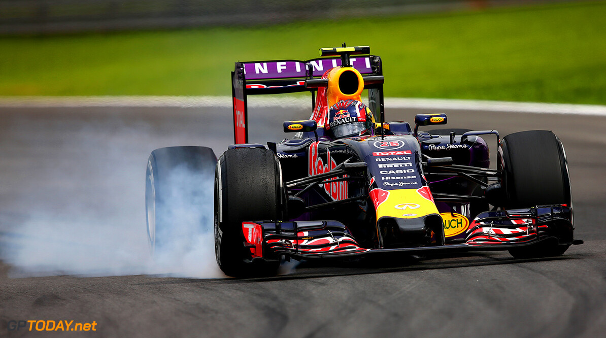 SAO PAULO, BRAZIL - NOVEMBER 13:  Daniil Kvyat of Russia and Infiniti Red Bull Racing locks up during practice for the Formula One Grand Prix of Brazil at Autodromo Jose Carlos Pace on November 13, 2015 in Sao Paulo, Brazil.  (Photo by Clive Mason/Getty Images) // Getty Images/Red Bull Content Pool // P-20151113-00516 // Usage for editorial use only // Please go to www.redbullcontentpool.com for further information. //  F1 Grand Prix of Brazil - Practice Clive Mason Sao Paulo Brazil  P-20151113-00516
