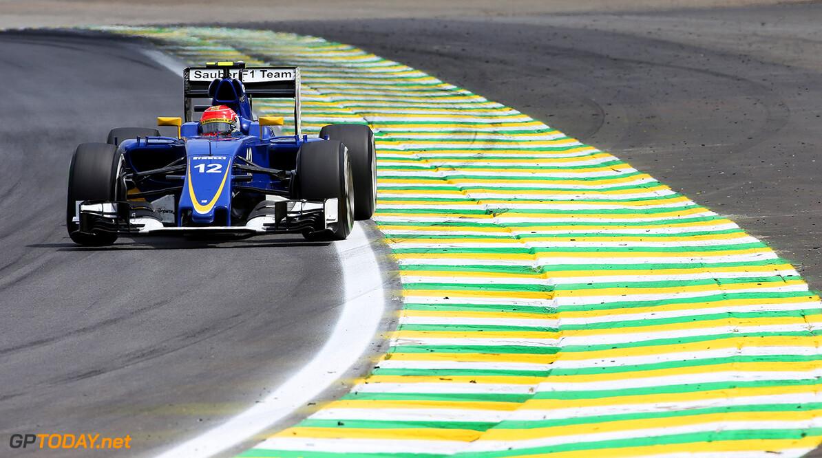 Brazilian GP Race 15/11/15 Felipe Nasr (BRA) Sauber F1 Team.  Autodromo Jose Carlos Pace.  Brazilian GP Race 15/11/15 Jad Sherif                       Interlagos, Sao Paulo Brazil  F1 Formula 1 One 2015 Action Nasr Sauber
