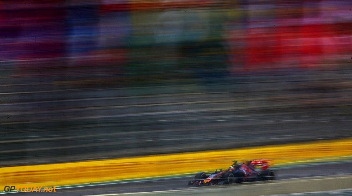 SAO PAULO, BRAZIL - NOVEMBER 13:  Carlos Sainz of Spain and Scuderia Toro Rosso drives during practice for the Formula One Grand Prix of Brazil at Autodromo Jose Carlos Pace on November 13, 2015 in Sao Paulo, Brazil.  (Photo by Dan Istitene/Getty Images) // Getty Images/Red Bull Content Pool // P-20151113-00796 // Usage for editorial use only // Please go to www.redbullcontentpool.com for further information. //  F1 Grand Prix of Brazil - Practice Dan Istitene Sao Paulo Brazil  P-20151113-00796