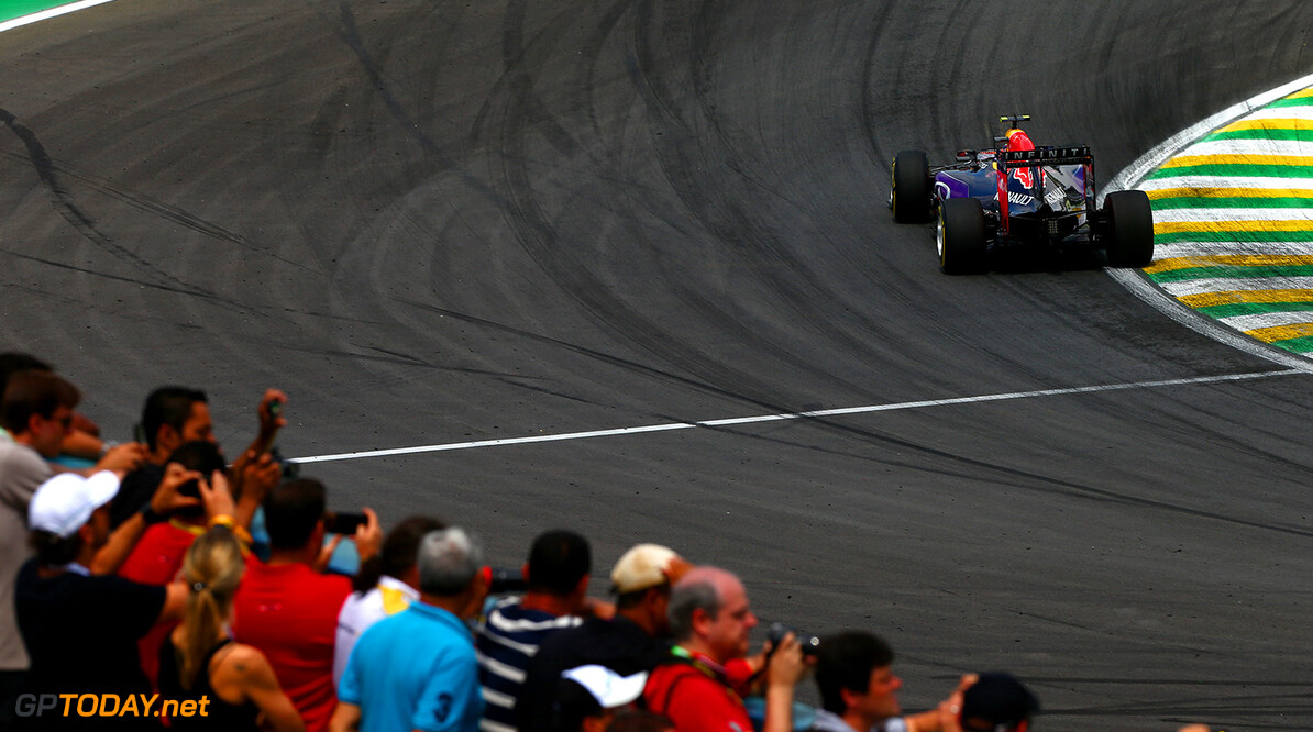 SAO PAULO, BRAZIL - NOVEMBER 15:  Daniil Kvyat of Russia and Infiniti Red Bull Racing drives during the Formula One Grand Prix of Brazil at Autodromo Jose Carlos Pace on November 15, 2015 in Sao Paulo, Brazil.  (Photo by Dan Istitene/Getty Images) // Getty Images/Red Bull Content Pool // P-20151115-00540 // Usage for editorial use only // Please go to www.redbullcontentpool.com for further information. //  F1 Grand Prix of Brazil Dan Istitene Sao Paulo Brazil  P-20151115-00540