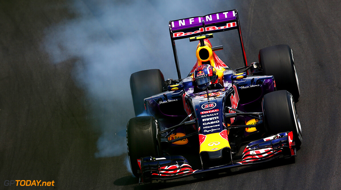 SAO PAULO, BRAZIL - NOVEMBER 15:  Daniil Kvyat of Russia and Infiniti Red Bull Racing locks up during the Formula One Grand Prix of Brazil at Autodromo Jose Carlos Pace on November 15, 2015 in Sao Paulo, Brazil.  (Photo by Clive Mason/Getty Images) // Getty Images/Red Bull Content Pool // P-20151115-00505 // Usage for editorial use only // Please go to www.redbullcontentpool.com for further information. //  F1 Grand Prix of Brazil Clive Mason Sao Paulo Brazil  P-20151115-00505