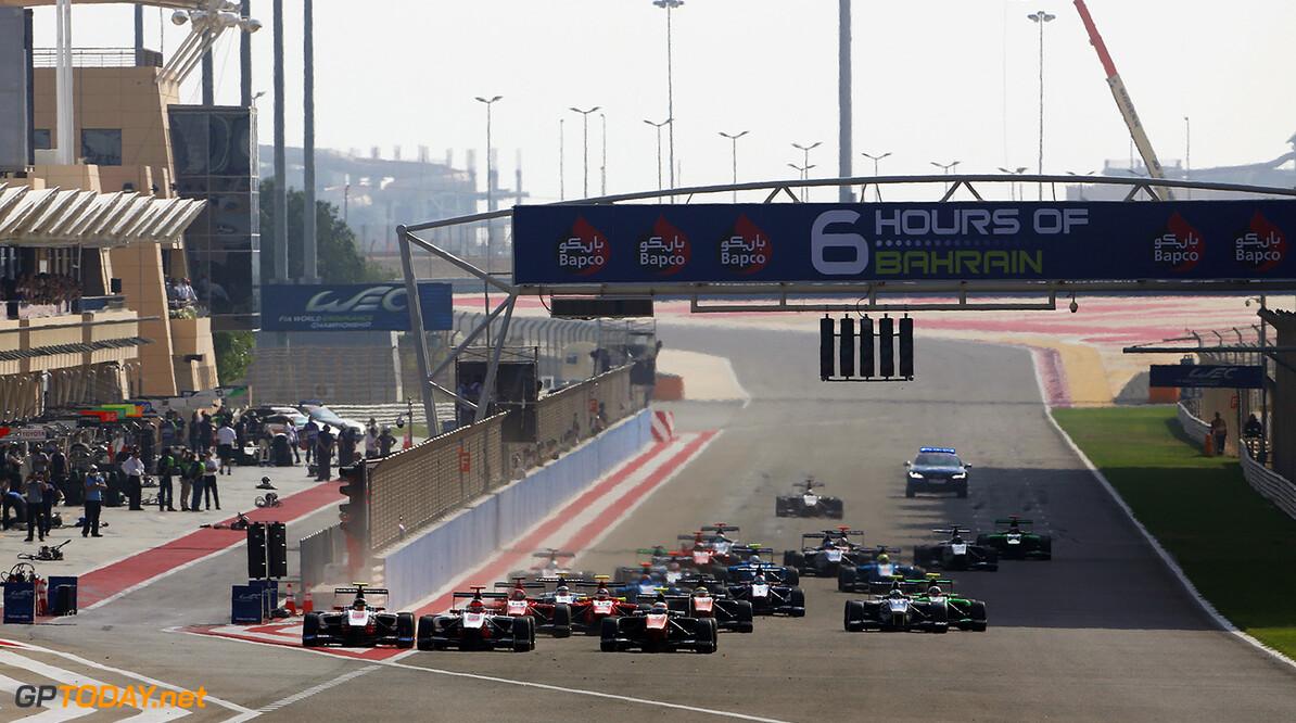 2015 GP3 Series Round 8. Bahrain International Circuit, Bahrain Friday 20 November 2015. Marvin Kirchhofer (GER, ART Grand Prix), takes the lead ahead of Esteban Ocon (FRA, ART Grand Prix) & Luca Ghiotto (ITA, Trident) at the start Photo: Sam Bloxham/GP3 Series Media Service. ref: Digital Image _SBL3707  Sam Bloxham    Race One 1