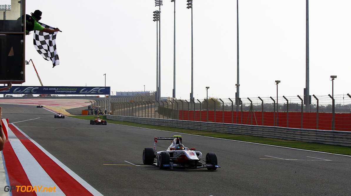 2015 GP3 Series Round 8. Bahrain International Circuit, Bahrain Friday 20 November 2015. Marvin Kirchhofer (GER, ART Grand Prix), takes the flag Photo: Sam Bloxham/GP3 Series Media Service. ref: Digital Image _G7C0560  Sam Bloxham    Race One 1