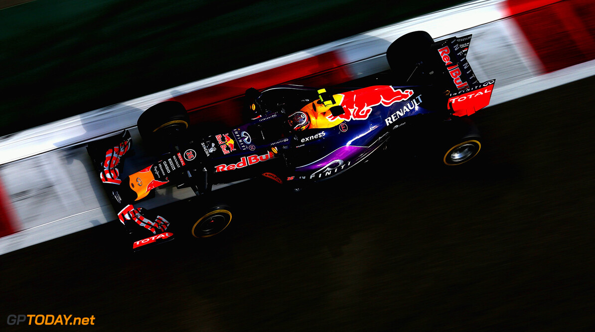 ABU DHABI, UNITED ARAB EMIRATES - NOVEMBER 27:  Daniil Kvyat of Russia and Infiniti Red Bull Racing drives during practice for the Abu Dhabi Formula One Grand Prix at Yas Marina Circuit on November 27, 2015 in Abu Dhabi, United Arab Emirates.  (Photo by Clive Mason/Getty Images) // Getty Images/Red Bull Content Pool // P-20151127-00648 // Usage for editorial use only // Please go to www.redbullcontentpool.com for further information. //  F1 Grand Prix of Abu Dhabi - Practice Clive Mason Abu Dhabi United Arab Emirates  P-20151127-00648