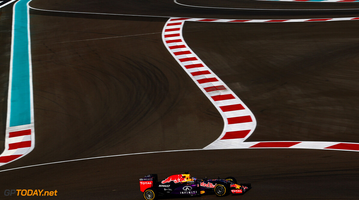 ABU DHABI, UNITED ARAB EMIRATES - NOVEMBER 27:  Daniel Ricciardo of Australia and Infiniti Red Bull Racing drives during practice for the Abu Dhabi Formula One Grand Prix at Yas Marina Circuit on November 27, 2015 in Abu Dhabi, United Arab Emirates.  (Photo by Dan Istitene/Getty Images) // Getty Images/Red Bull Content Pool // P-20151127-00777 // Usage for editorial use only // Please go to www.redbullcontentpool.com for further information. //  F1 Grand Prix of Abu Dhabi - Practice Dan Istitene Abu Dhabi United Arab Emirates  P-20151127-00777
