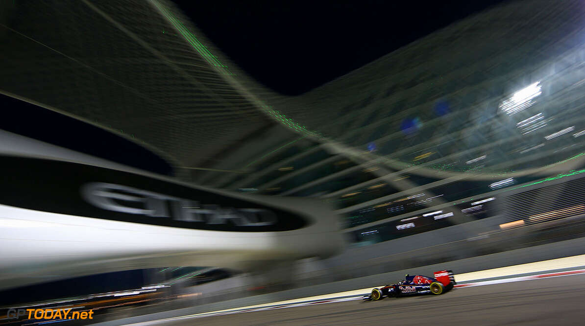 ABU DHABI, UNITED ARAB EMIRATES - NOVEMBER 29:  Carlos Sainz of Spain and Scuderia Toro Rosso drives during the Abu Dhabi Formula One Grand Prix at Yas Marina Circuit on November 29, 2015 in Abu Dhabi, United Arab Emirates.  (Photo by Clive Mason/Getty Images) // Getty Images/Red Bull Content Pool // P-20151129-00489 // Usage for editorial use only // Please go to www.redbullcontentpool.com for further information. //  F1 Grand Prix of Abu Dhabi Clive Mason Abu Dhabi United Arab Emirates  P-20151129-00489