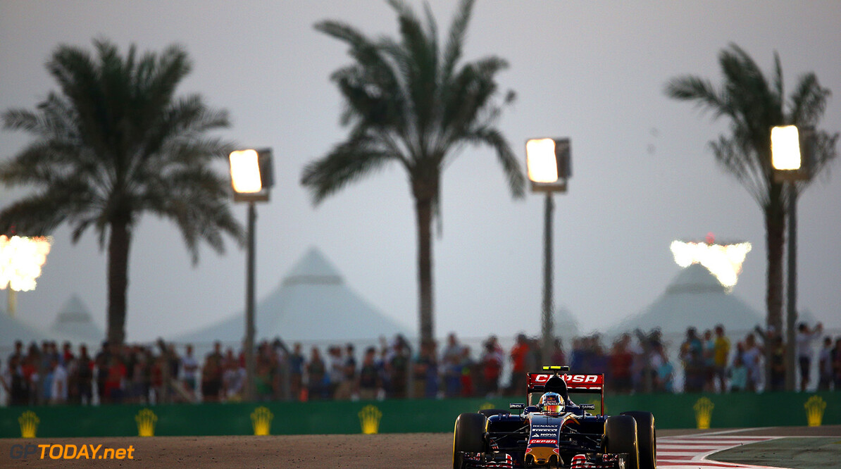 ABU DHABI, UNITED ARAB EMIRATES - NOVEMBER 29:  Carlos Sainz of Spain and Scuderia Toro Rosso drives during the Abu Dhabi Formula One Grand Prix at Yas Marina Circuit on November 29, 2015 in Abu Dhabi, United Arab Emirates.  (Photo by Paul Gilham/Getty Images) // Getty Images/Red Bull Content Pool // P-20151129-00408 // Usage for editorial use only // Please go to www.redbullcontentpool.com for further information. //  F1 Grand Prix of Abu Dhabi Paul Gilham Abu Dhabi United Arab Emirates  P-20151129-00408
