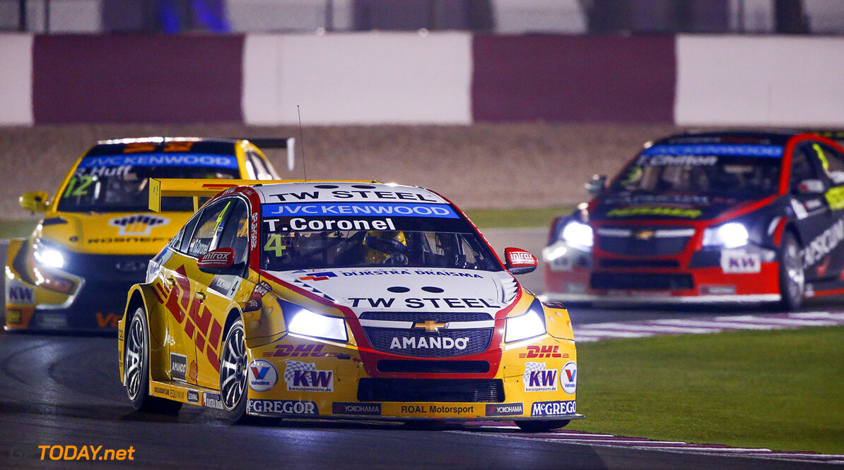 04 CORONEL Tom (ned) Chevrolet Cruze team Roal motorsport action  during the 2015 FIA WTCC World Touring Car Championship race at Losail  from November 25th to 27th  2015, Qatar. Photo Frederic Le Floc'h / DPPI AUTO - WTCC LOSAIL 2015 Frederic Le Floc'h Losail Qatar  Auto CHAMPIONNAT DU MONDE CIRCUIT COURSE FIA Losail International Circuit Motorsport November Novembre Quatar Tourisme WTCC