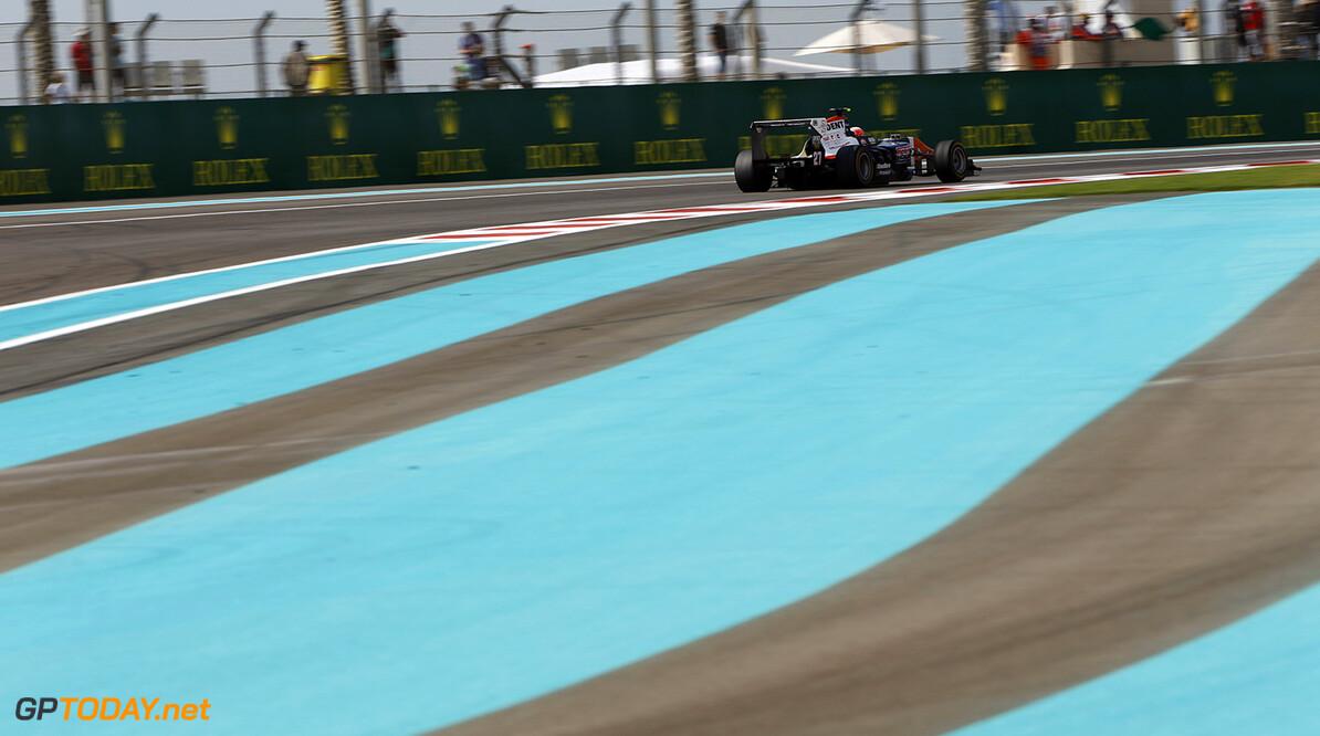 2015 GP3 Series Round 9. Yas Marina Circuit, Abu Dhabi, United Arab Emirates. Saturday 28 November 2015. Luca Ghiotto (ITA, Trident). Photo: Zak Mauger/GP3 Series Media Service. ref: Digital Image _L0U5915   Zak Mauger    Race One 1 race action