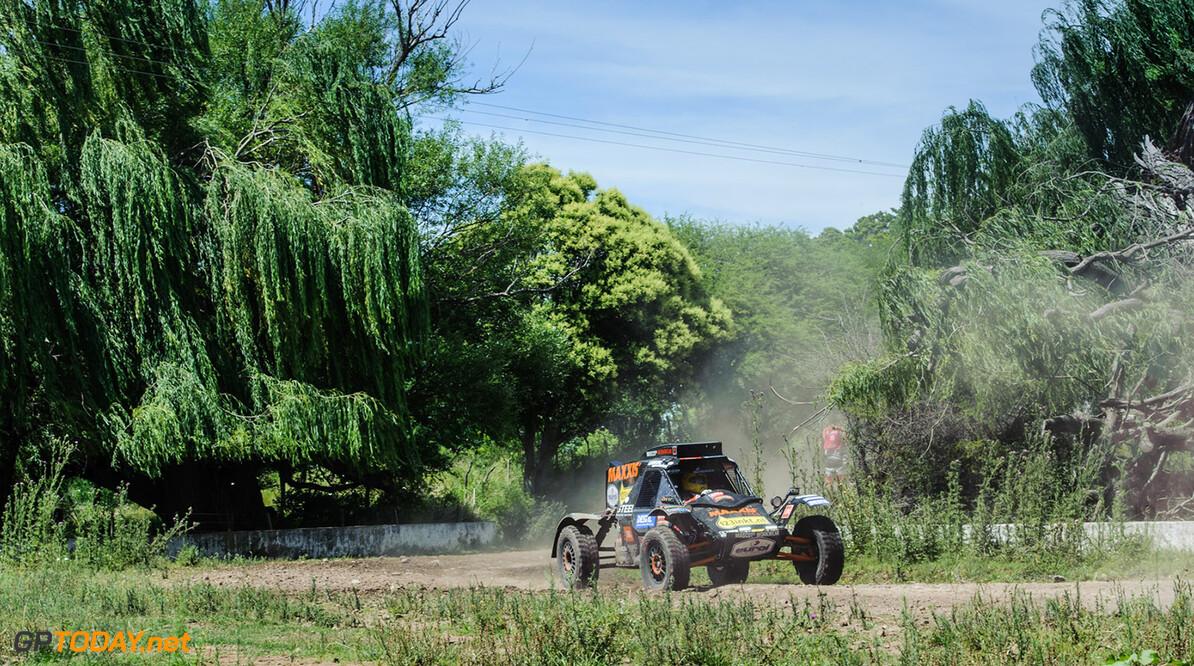 Leon Jansen    347 Tim Coronel (NLD) SUZUKI Maxxis Super B CAR Le Dakar 2016 stage 2 Villa Carlos Paz-Termas de Rio Hondo 04-01-2016