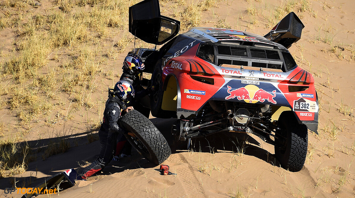 Stephane Peterhansel (FRA) Jean Paul Cottret (FRA) from Team Peugeot Total in action stuck in the sand during stage 09 of Rally Dakar 2016 around Belen, Argentina on January 12, 2016 // DPPI / Red Bull Content Pool  // P-20160112-00133 // Usage for editorial use only // Please go to www.redbullcontentpool.com for further information. //  Stephane Peterhansel DPPI Belen Argentina  P-20160112-00133