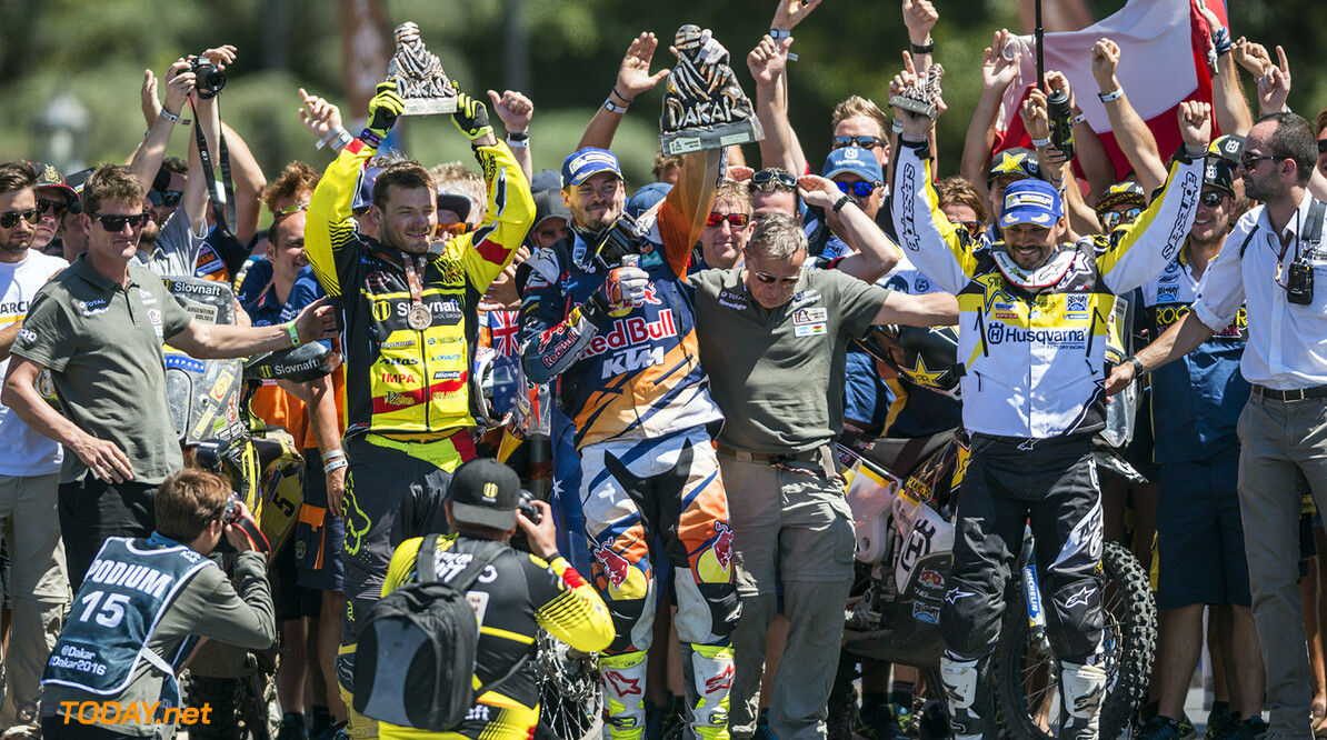 Toby Price (AUS) of Red Bull KTM Factory Team celebrates on the podium of Rally Dakar 2016 in Rosario, Argentina on January 16th, 2016 // Marcelo Maragni/Red Bull Content Pool // P-20160116-00123 // Usage for editorial use only // Please go to www.redbullcontentpool.com for further information. //  Toby Price  Rosario Argentina  P-20160116-00123