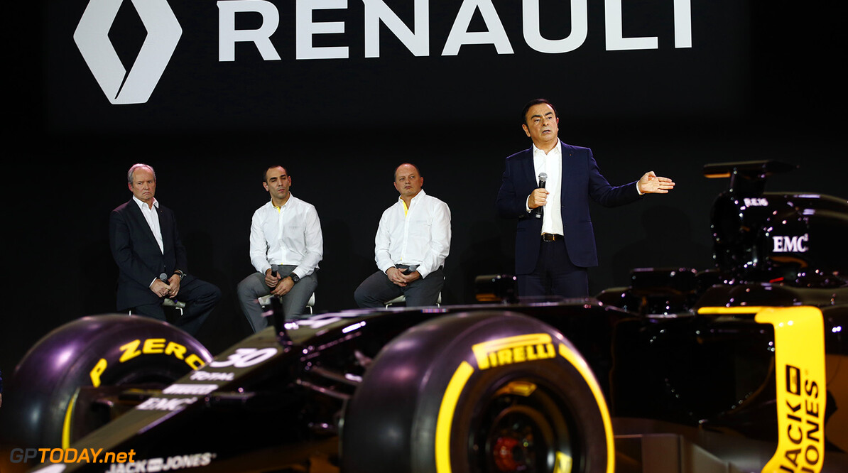 GHOSN Carlos Renault President launching the Renault R.S. 16 with STOLL Jerome (fra) Renault Sport F1 president, ABITEBOUL Cyril (fra) Renault Sport F1 managing director and VASSEUR Frederic (fra) team manager Renault Sport F1 team ambiance portrait during the Renault Sport F1 launch at Guyancourt Technocentre, France on february 3 2016 -  Photo Frederic Le Floc'h / DPPI AUTO - RENAULT SPORT F1 LAUNCH  - 2016 Frederic Le Floc'h Guyancourt France  rst guyancourt paris renault sport cars sports car fevrier F1 Formula one Formula 1 presentation lancement annonce annoucement