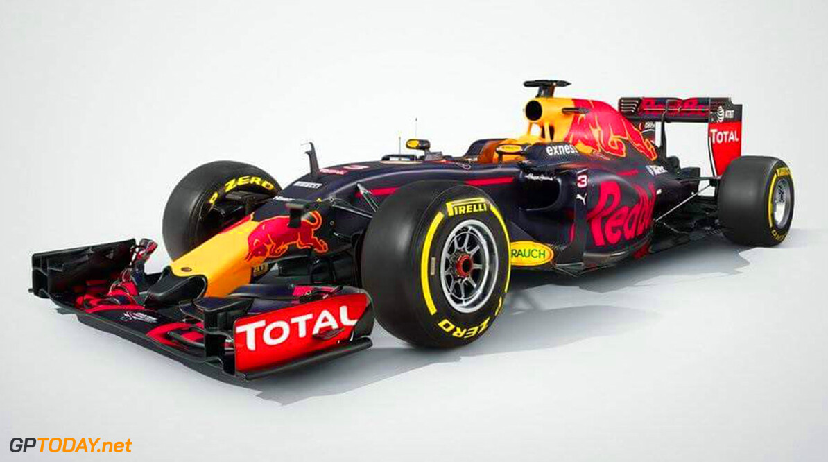 Truck Red Bull Racing verraadt matblauwe livery
