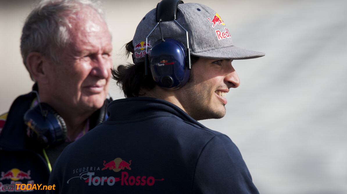 160223RF22328 BARCELONA, SPAIN - 23 FEBRUARY 2016: Red Bull Motorsport Consultant Helmut Marko (L) and #55 Carlos Sainz Jr (ESP), Scuderia Toro Rosso, (R) during day 1 of Formula 1's Pre-Season Test at Circuit de Barcelona-Catalunya. Formula 1's Pre-Season Test Ronald Fleurbaaij Barcelona Spain  Sport Sports Autosport Motorsports Auto Car Racewagen Race Car Formule 1 Formula 1 F1 FIA Formula One World Championship Spain Spanje Circuit de Barcelona-Catalunya Pre-Season Test