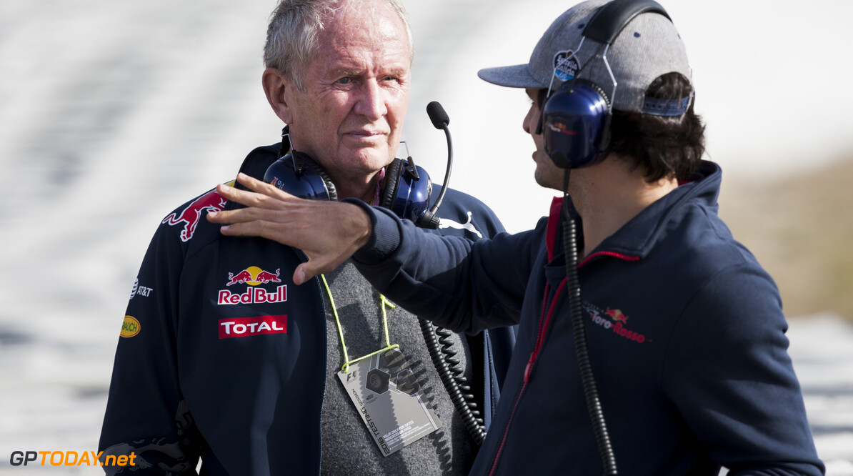 160223RF22347 BARCELONA, SPAIN - 23 FEBRUARY 2016: Red Bull Motorsport Consultant Helmut Marko (L) and #55 Carlos Sainz Jr (ESP), Scuderia Toro Rosso, (R) during day 1 of Formula 1's Pre-Season Test at Circuit de Barcelona-Catalunya. Formula 1's Pre-Season Test Ronald Fleurbaaij Barcelona Spain  Sport Sports Autosport Motorsports Auto Car Racewagen Race Car Formule 1 Formula 1 F1 FIA Formula One World Championship Spain Spanje Circuit de Barcelona-Catalunya Pre-Season Test