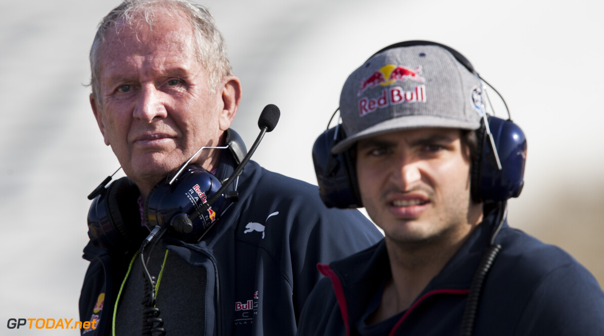160223RF22332 BARCELONA, SPAIN - 23 FEBRUARY 2016: Red Bull Motorsport Consultant Helmut Marko (L) and #55 Carlos Sainz Jr (ESP), Scuderia Toro Rosso, (R) during day 1 of Formula 1's Pre-Season Test at Circuit de Barcelona-Catalunya. Formula 1's Pre-Season Test Ronald Fleurbaaij Barcelona Spain  Sport Sports Autosport Motorsports Auto Car Racewagen Race Car Formule 1 Formula 1 F1 FIA Formula One World Championship Spain Spanje Circuit de Barcelona-Catalunya Pre-Season Test