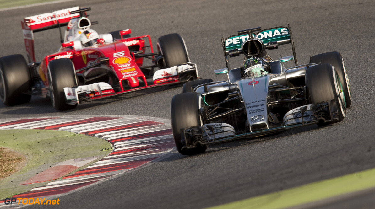 160223RF22377 BARCELONA, SPAIN - 23 FEBRUARY 2016: #6 Nico Rosberg (DEU), Mercedes AMG Petronas F1 Team, (R) leads #5 Sebastian Vettel (DEU), Scuderia Ferrari, (L) during day 1 of Formula 1's Pre-Season Test at Circuit de Barcelona-Catalunya. Formula 1's Pre-Season Test Ronald Fleurbaaij Barcelona Spain  Sport Sports Autosport Motorsports Auto Car Racewagen Race Car Formule 1 Formula 1 F1 FIA Formula One World Championship Spain Spanje Circuit de Barcelona-Catalunya Pre-Season Test