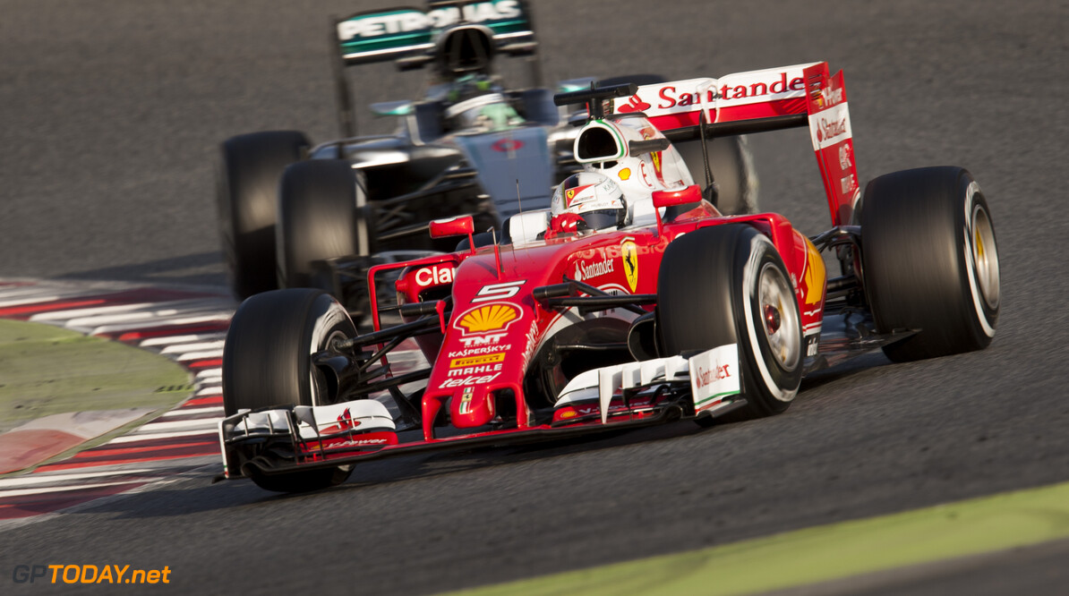 160223RF22357 BARCELONA, SPAIN - 23 FEBRUARY 2016: #5 Sebastian Vettel (DEU), Scuderia Ferrari, (R) leads #6 Nico Rosberg (DEU), Mercedes AMG Petronas F1 Team, (L) during day 1 of Formula 1's Pre-Season Test at Circuit de Barcelona-Catalunya. Formula 1's Pre-Season Test Ronald Fleurbaaij Barcelona Spain  Sport Sports Autosport Motorsports Auto Car Racewagen Race Car Formule 1 Formula 1 F1 FIA Formula One World Championship Spain Spanje Circuit de Barcelona-Catalunya Pre-Season Test