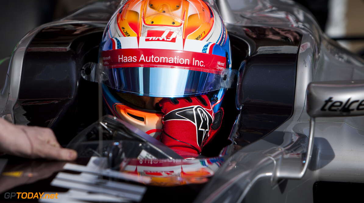 160224RF12723 BARCELONA, SPAIN - 24 FEBRUARY 2016: #8 Romain Grosjean (FRA), Haas F1 Team, during day 1 of Formula 1's Pre-Season Test at Circuit de Barcelona-Catalunya. Formula 1's Pre-Season Test Ronald Fleurbaaij Barcelona Spain  Sport Sports Autosport Motorsports Auto Car Racewagen Race Car Formule 1 Formula 1 F1 FIA Formula One World Championship Spain Spanje Circuit de Barcelona-Catalunya Pre-Season Test