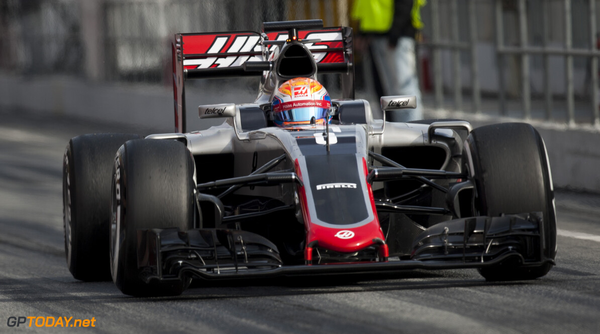 160224RF22989 BARCELONA, SPAIN - 24 FEBRUARY 2016: #8 Romain Grosjean (FRA), Haas F1 Team, during day 1 of Formula 1's Pre-Season Test at Circuit de Barcelona-Catalunya. Formula 1's Pre-Season Test Ronald Fleurbaaij Barcelona Spain  Sport Sports Autosport Motorsports Auto Car Racewagen Race Car Formule 1 Formula 1 F1 FIA Formula One World Championship Spain Spanje Circuit de Barcelona-Catalunya Pre-Season Test