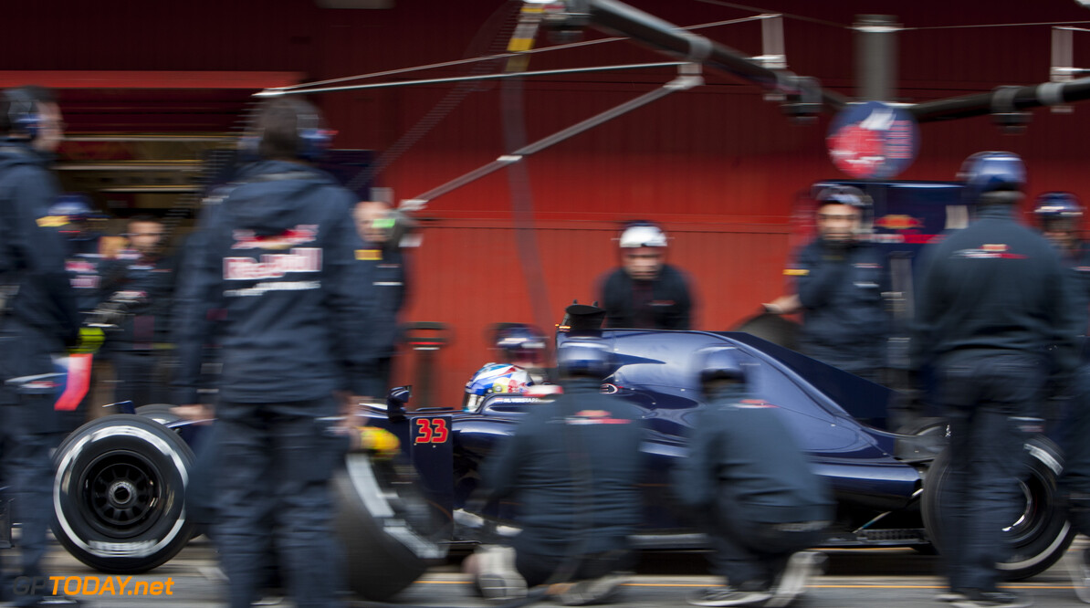 160225RF13221 BARCELONA, SPAIN - 25 FEBRUARY 2016: #33 Max Verstappen (NLD), Scuderia Toro Rosso, during day 1 of Formula 1's Pre-Season Test at Circuit de Barcelona-Catalunya. Formula 1's Pre-Season Test Ronald Fleurbaaij Barcelona Spain  Sport Sports Autosport Motorsports Auto Car Racewagen Race Car Formule 1 Formula 1 F1 FIA Formula One World Championship Spain Spanje Circuit de Barcelona-Catalunya Pre-Season Test